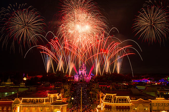 Enjoy the day, and the fireworks, from some of the best places to be in Florida with discount tickets from TicketsatWork.com.