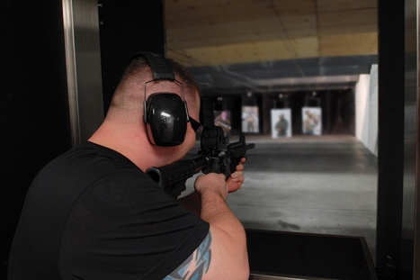 Fire some of the most powerful guns with discount pricing on Machine Guns Vegas.