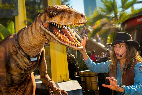 raptor-encounter-Universal-studios-hollywood (2)