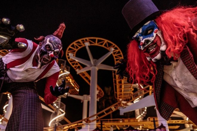 Have a wicked good time at Knott's Scary Farm this Halloween with huge savings from TicketsatWork.com.