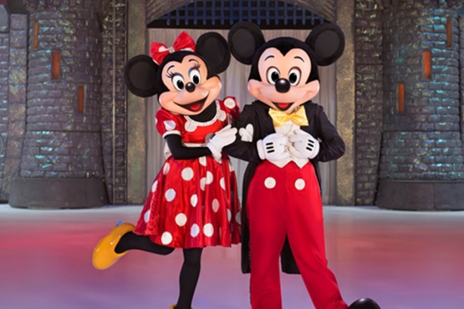 See Mickey, Minnie and crew at Disney on Ice with discount tickets from TicketsatWork.com!