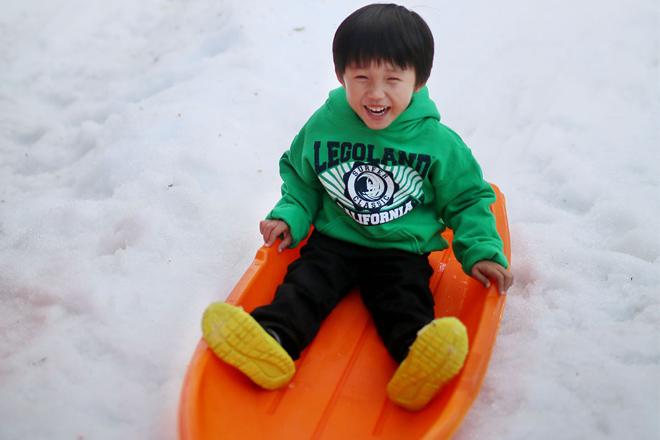 Enjoy Holiday Snow Days at LEGOLAND California Resort
