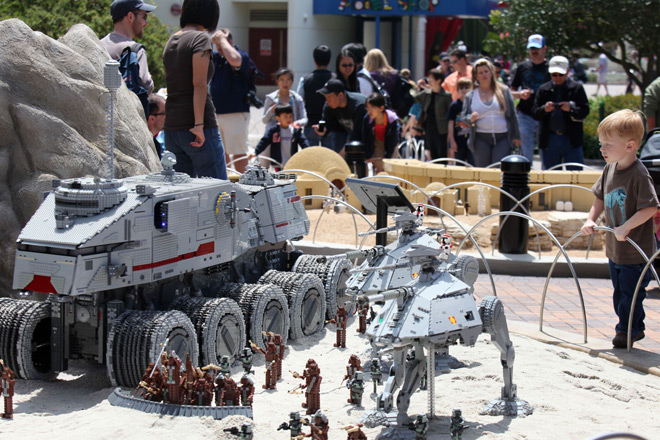 Star Wars fans can rejoice with huge displays at LEGOLAND
