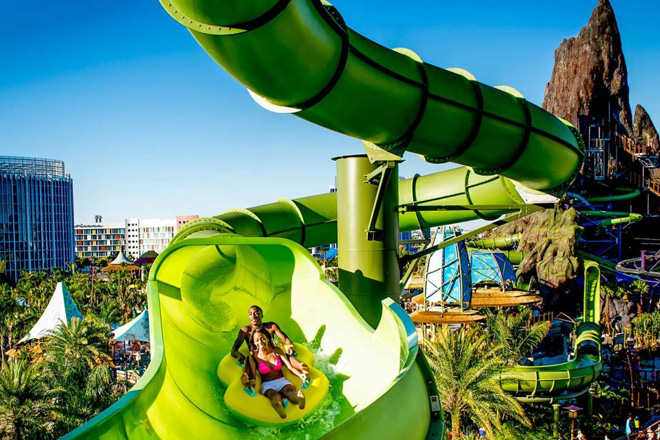 volcano-bay-raft-slide-taw