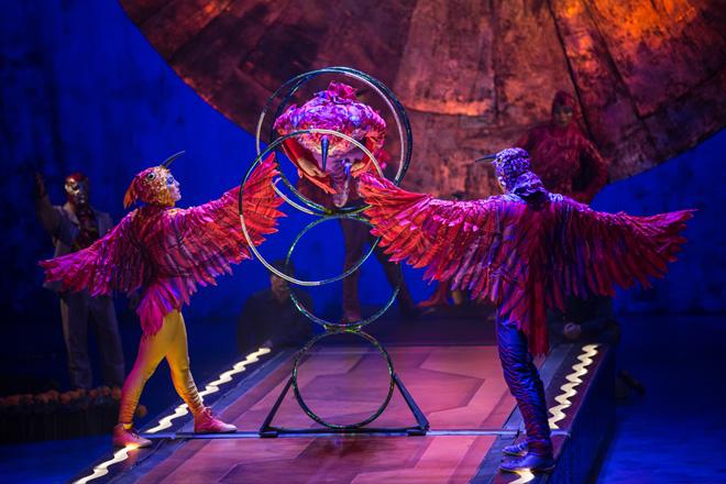 hoop-diving-luzia-cirque-du-soleil